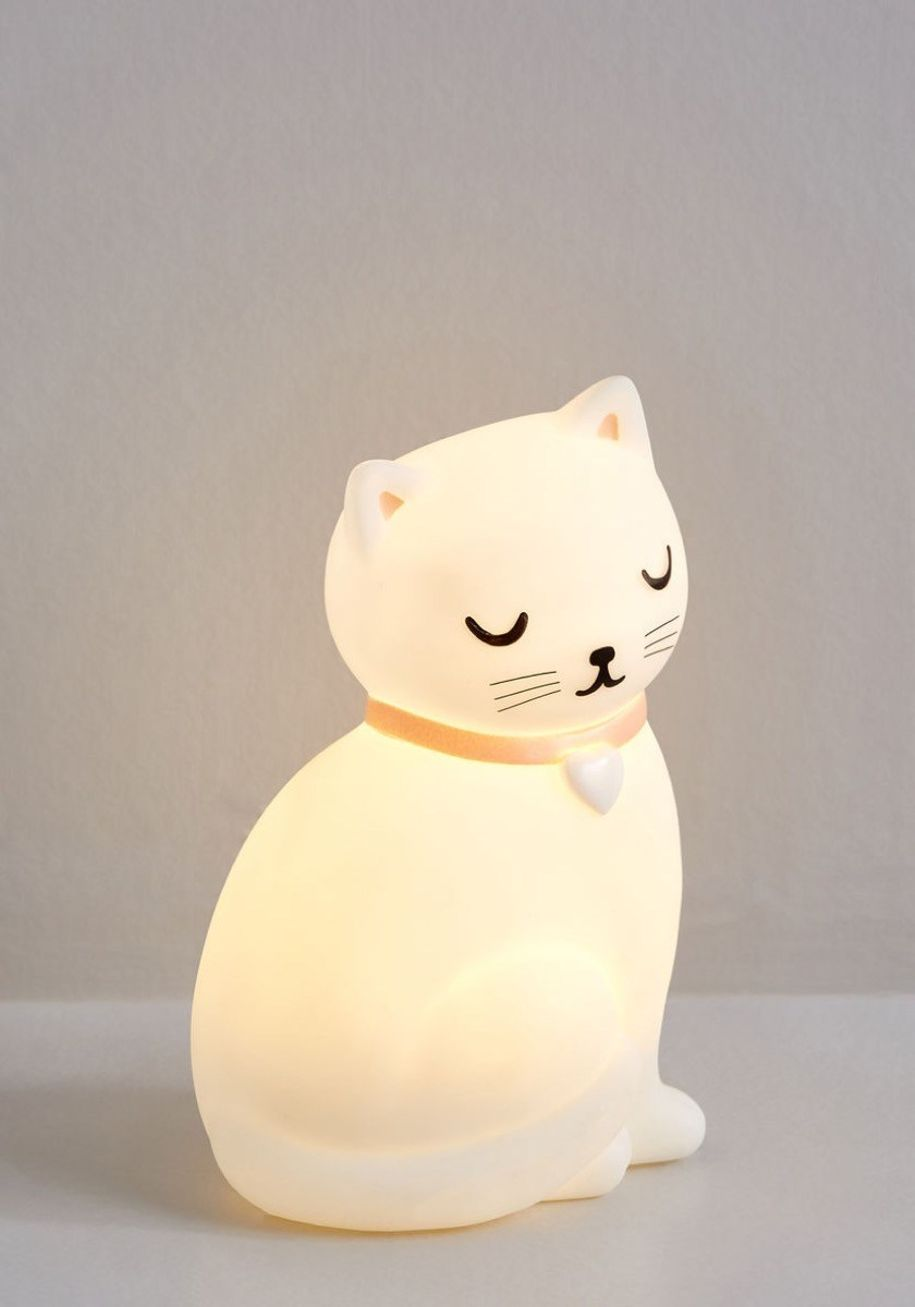 cat-night-light.jpg?resize=840%2C1200&ssl=1
